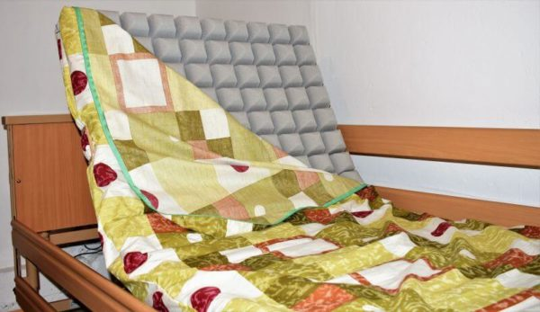 Łóżko rehabilitacyjne Burmeier Dali II + materac gofrowany 12 cm grafika