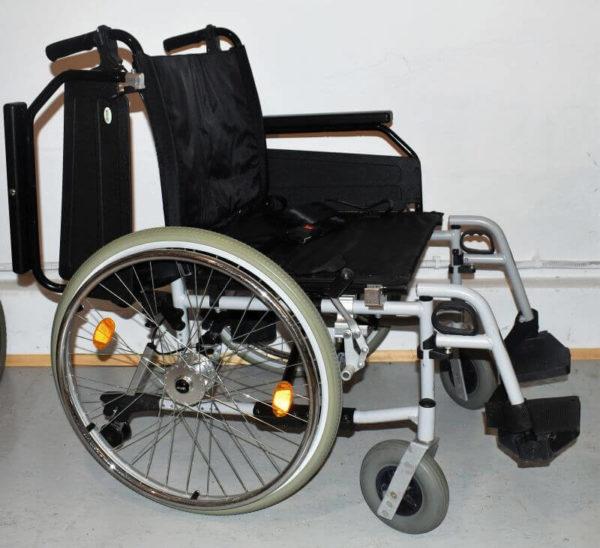 Wózek inwalidzki dla osób większych