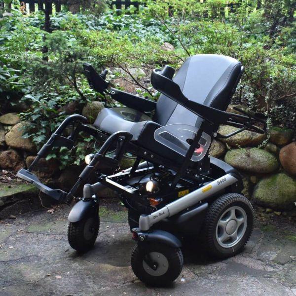 wózek inwalidzki elektryczny B600